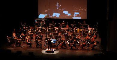 """Álex Pina: """"Elegir la música para una serie es escoger la emoción de cada escena"""""""