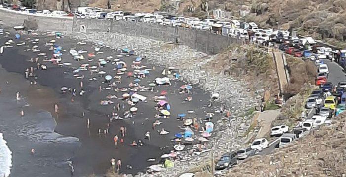 El atasco en Almáciga, noticia a nivel nacional