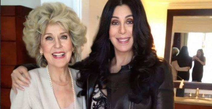 El bulo de la foto de Cher con su madre que se hizo viral