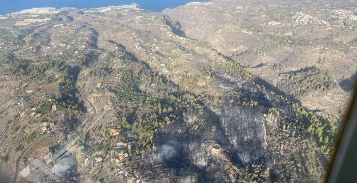 El Cabildo da por controlado el incendio de Tijarafe