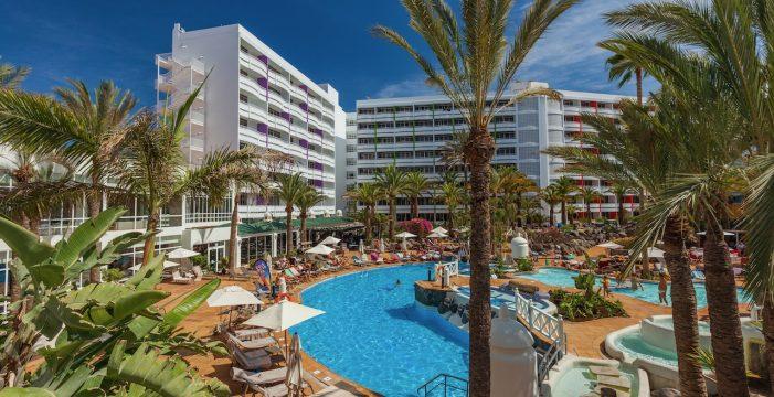 Cierran cuatro hoteles en Canarias por el descenso de las reservas