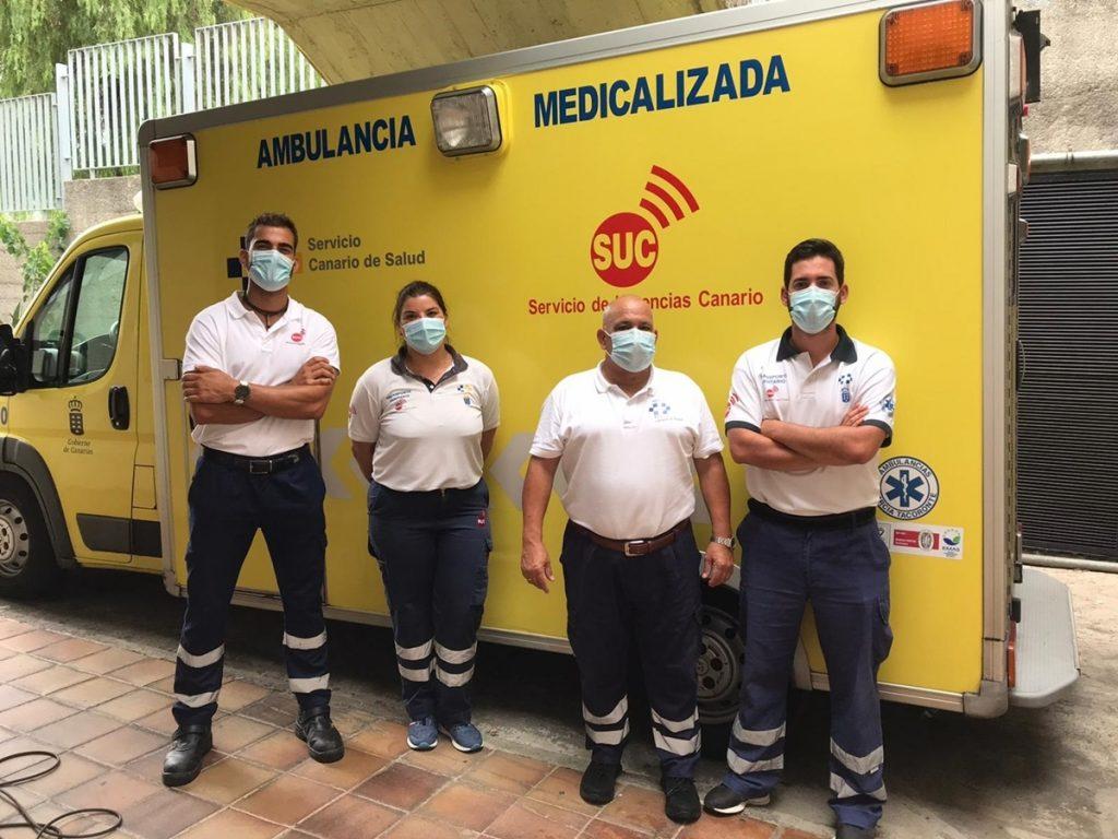 Dotación de la ambulancia del SUC que ayudó a la mujer EUROPA PRESS