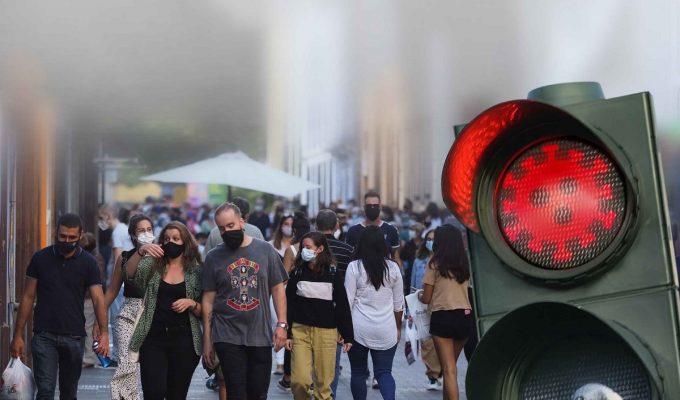 Activan el semáforo rojo en Tenerife, La Gomera, Fuerteventura y Gran Canaria por los rebrotes de COVID