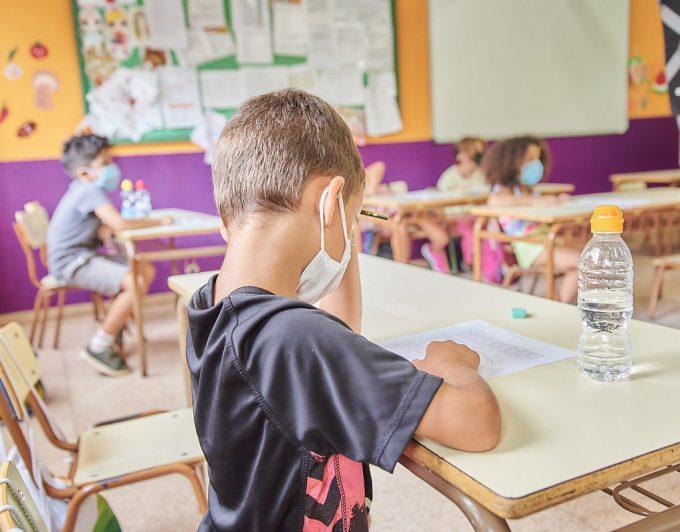 173 alumnos y 31 profesores tienen coronavirus en Canarias