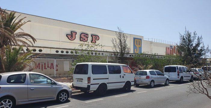 Trabajadores de JSP reclaman un millón de euros y asegurar el empleo