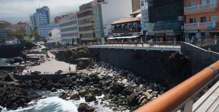 Cierran al baño la playa de San Telmo, en el Puerto de la Cruz