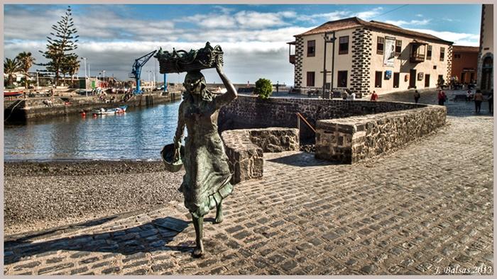 Escultura pescadora Puerto de la Cruz