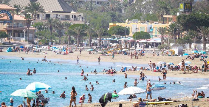 Estas son las 64 playas de Canarias que tienen Bandera Azul en 2021, ocho más que el año pasado