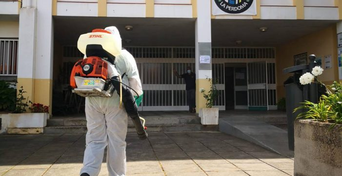 Colaboración municipal para reforzar la limpieza y el personal en los centros