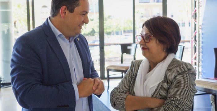 """El PSOE pretende formar """"otro gobierno"""" en Arona pero solo con sus siglas"""