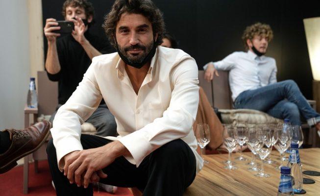 La serie 'Antidisturbios', con el tinerfeño Álex García, se presenta en el Festival de Cine de San Sebastián