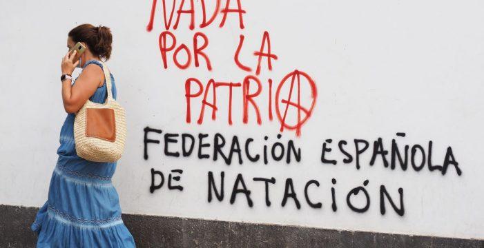 """""""Nada por la patria"""""""