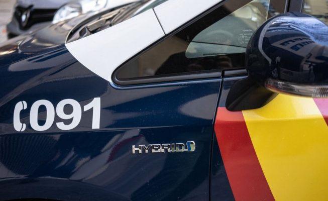 La Policía detiene a dos hombres que intentaban viajar desde Tenerife a Barcelona con pasaportes falsos
