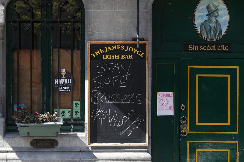 Bruselas cierra sus bares un mes tras situarse como segunda capital europea en contagios, por detrás de Madrid