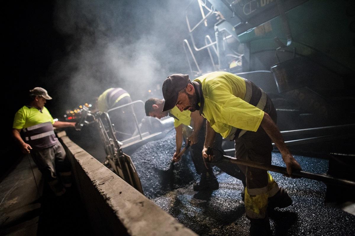 Los trabajos se ejecutarán de noche para afectar lo menos posible al tráfico. En la imagen, obras en la TF-1 en 2017. DA
