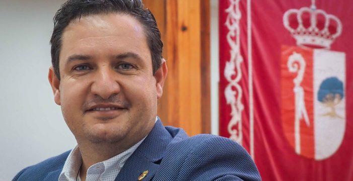 """José Julián Mena, alcalde de Arona: """"No voy a perder ni un minuto en luchas de poder, la gente lo está pasando mal, esa es la gran prioridad"""""""
