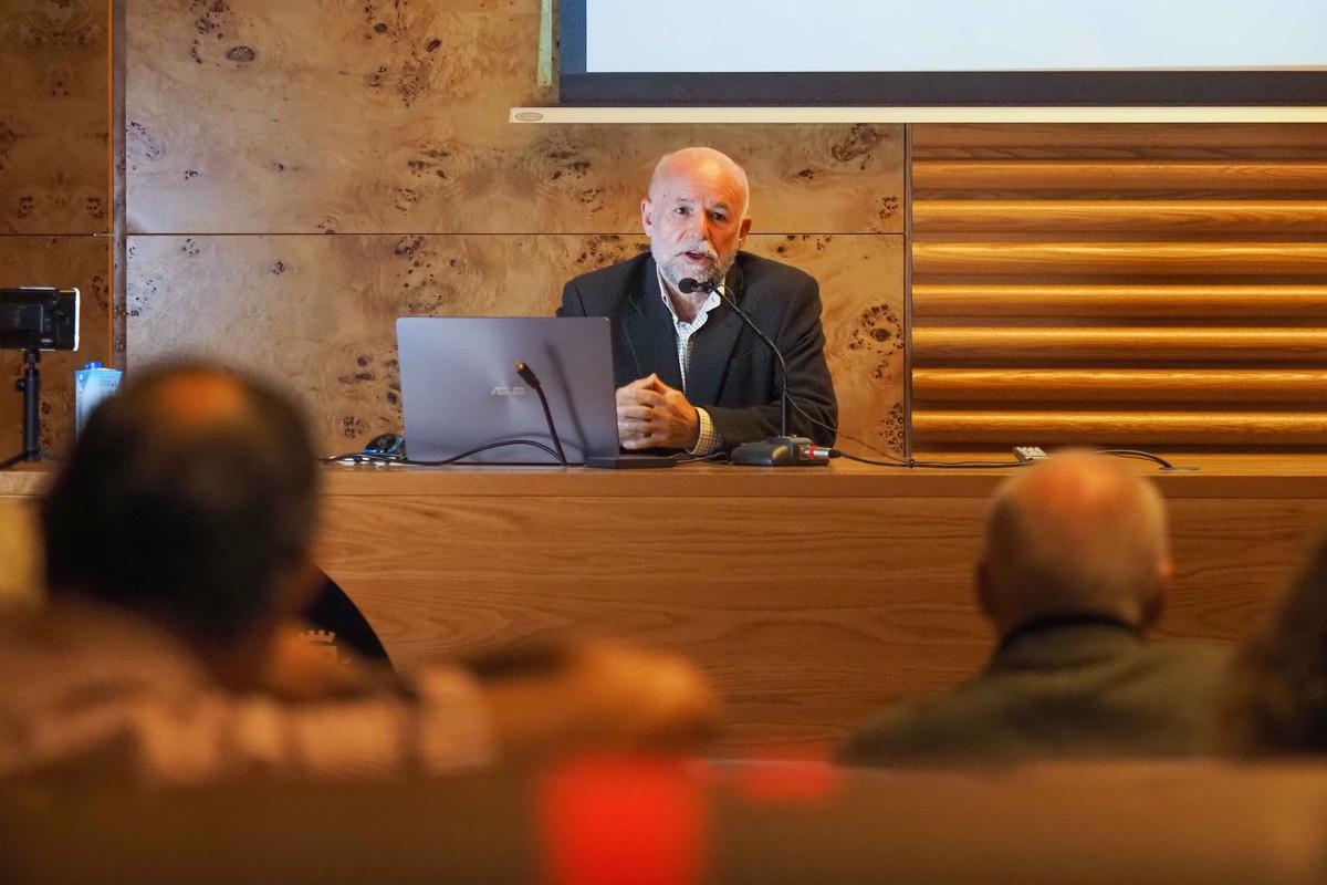 Ortigosa relató que hay constancia de que cuando la vacuna de la viruela llegó a Canarias surgieron en las Islas movimientos antivacunas. FOTO: Sergio Méndez