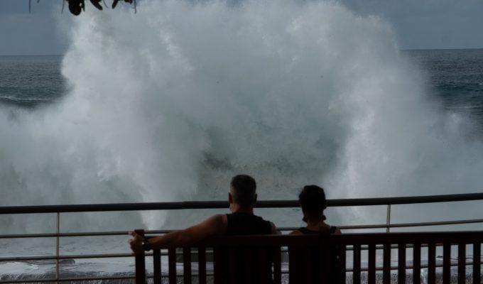 El Gobierno de Canarias declara la alerta por fenómenos costeros adversos