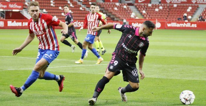 La primera victoria foránea está cerca si el Tenerife iguala o mejora la versión ofrecida en El Molinón