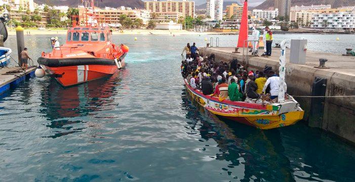 """Europa admite una """"situación límite"""" en Canarias con la inmigración"""