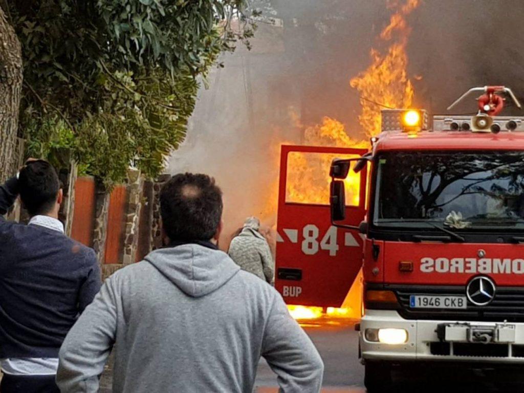 Incendio del coche de Marisol en Camino Fuente Cañizares