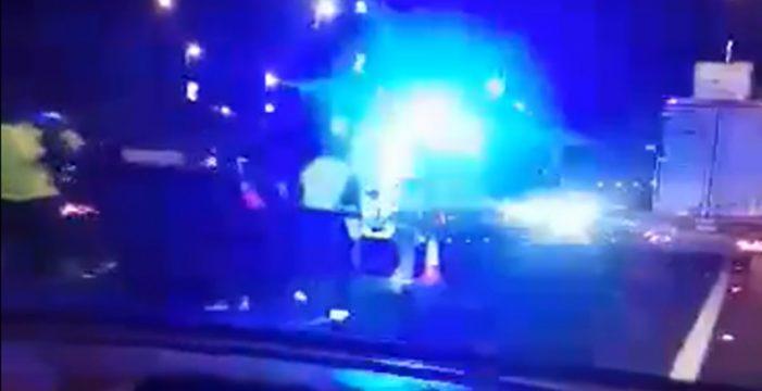 Accidente de tráfico en la autopista, a la altura de la conexión