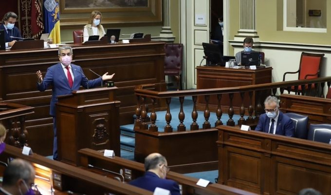 El Parlamento de Canarias, con el rechazo del PP, prosigue con la tramitación del presupuesto de 2021