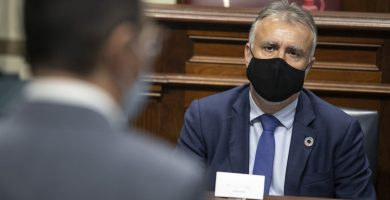 """Torres llama a redoblar """"todos los esfuerzos"""" para que no se repitan tragedias como el de la patera de Lanzarote"""