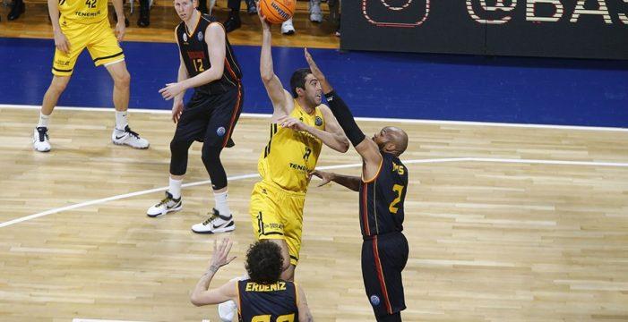 El Iberostar Tenerife no se cansa de hacer historia y gana en Valencia (89-95)