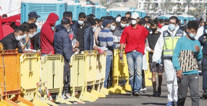 """Europa estudia """"con urgencia"""" dar más fondos a Canarias para hacer frente a la crisis migratoria"""