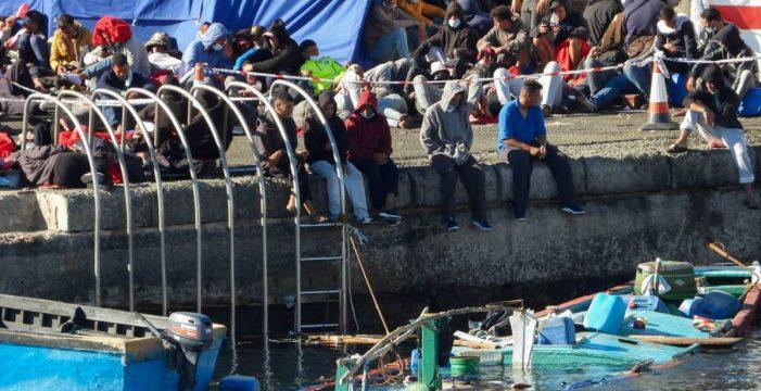 Entre el muelle de la vergüenza y los ecos de Lampedusa