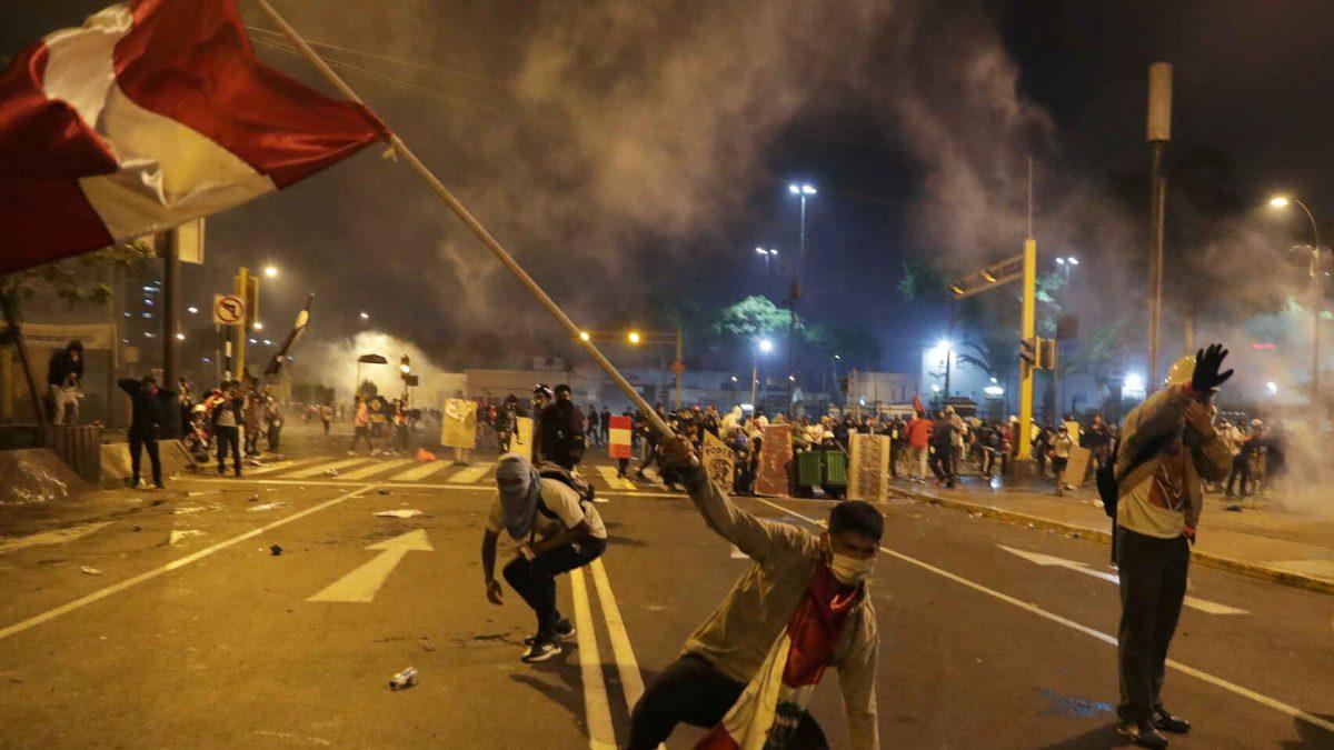 Manifestantes en Perú. El Español