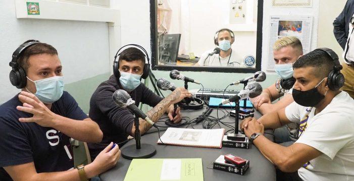 La radio, vehículo de la educación en prisión