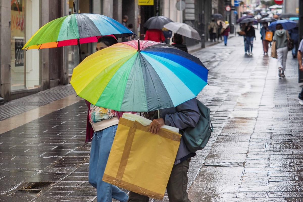 El temporal ha afectado hoy a la Isla de Tenerife. Sergio Méndez