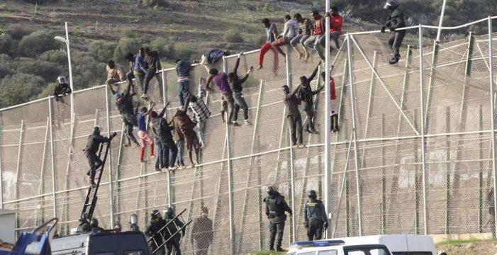 El Constitucional avala por amplia mayoría las 'devoluciones en caliente' en Ceuta y Melilla