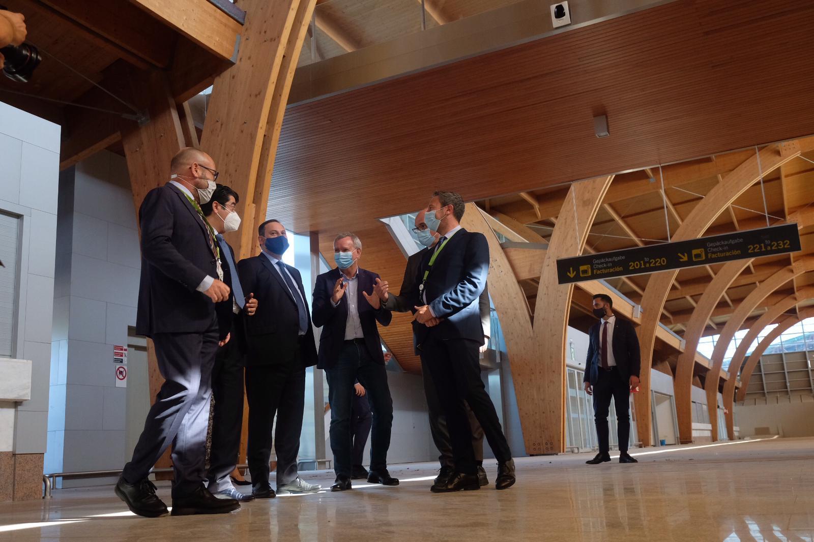 Visita de Ábalos a las obras de ampliación del aeropuerto Tenerife Sur. | Fran Pallero