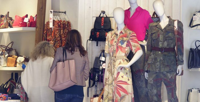 Canarias encabeza la caída de las ventas del comercio minorista con una bajada interanual del 15,2% en octubre
