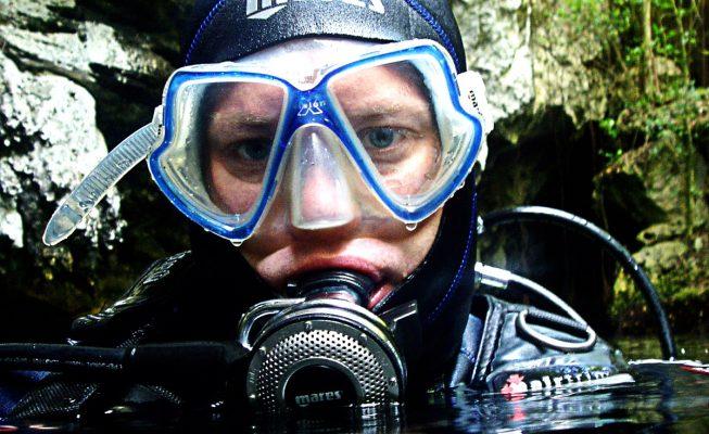 Divulgadores naturalistas 'bucean' en los secretos de los océanos en un debate del Arona SOS Atlántico