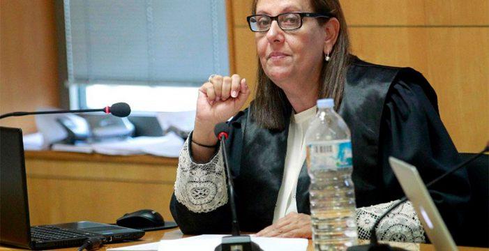 """María Farnés: """"El caso Reparos se sigue investigando; implica unos 50 millones de euros"""""""