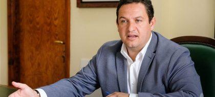 Mena se querellará contra los ediles del PSOE que le denunciaron