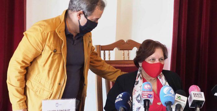 La alcaldesa de San Juan de la Rambla espera a que el Pleno declare su incompatibilidad