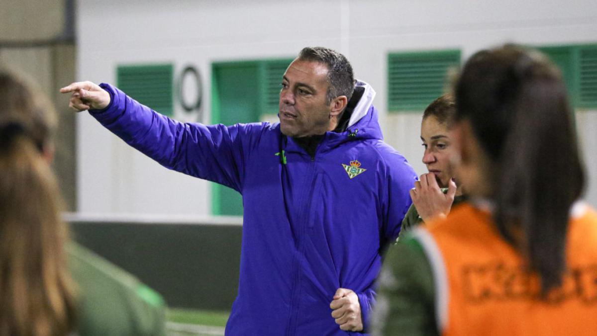 Pier Cherubino, entrenador del Real Betis femenino./Twitter