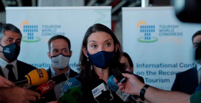 Reyes Maroto defiende la seguridad de España y Canarias para el turismo internacional