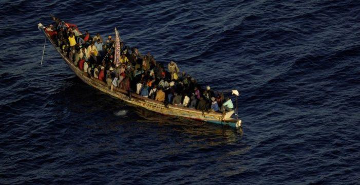 El Hierro acoge a 363 personas que llegaron a la isla en cayuco