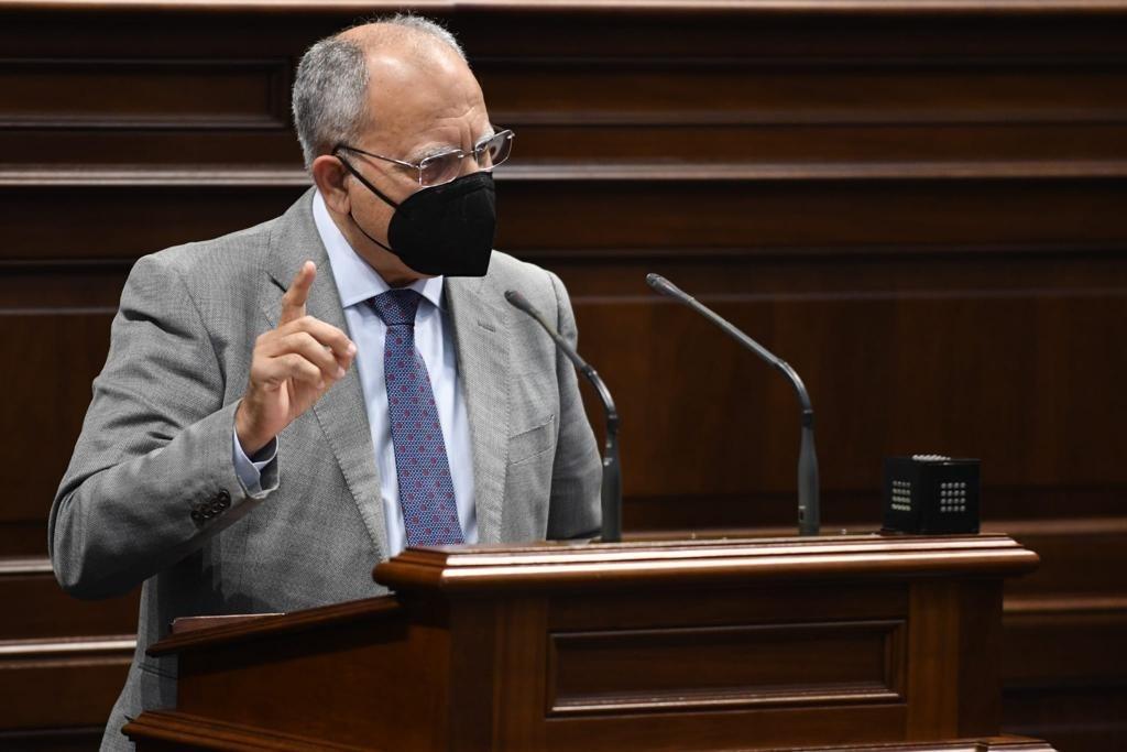 El portavoz del Grupo Parlamentario Agrupación Socialista Gomera (ASG), Casimiro Curbelo. EP