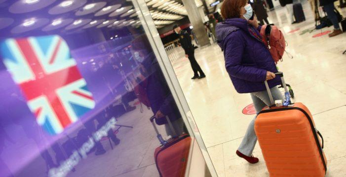 """Más de 200 británicos aterrizan en Canarias en el """"freedom day"""""""