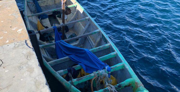 Llega un cayuco con una treintena de migrantes a La Restinga