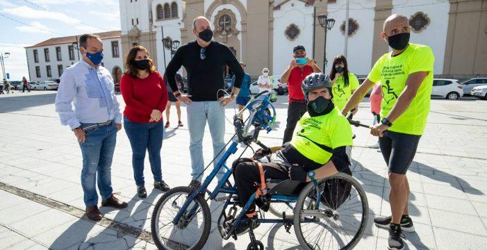 Del Cristo de La Laguna a la Virgen de Candelaria en 'handbike'