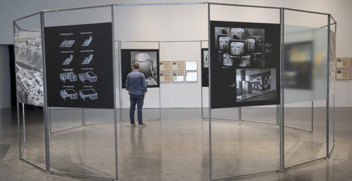 La exposición 'Como ningún lugar en la Tierra' entra en su última semana
