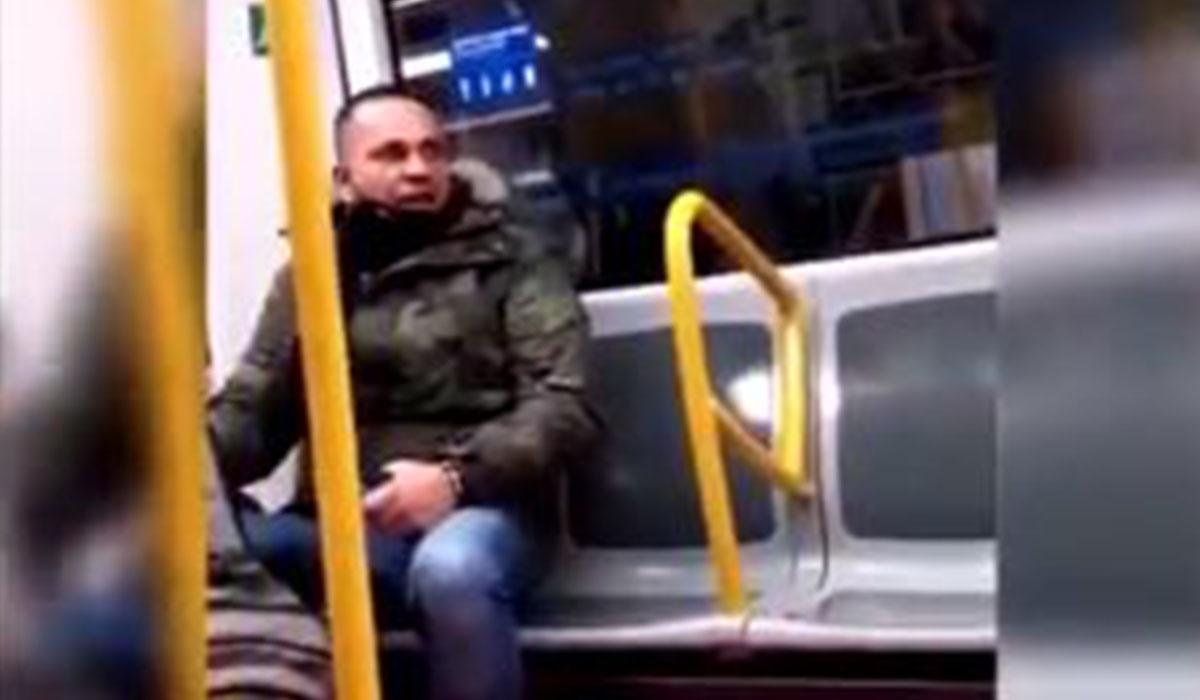 Este individuo, de nacionalidad española, está imputado por el momento de un delito de odio